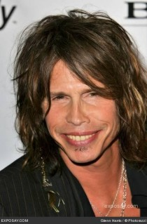 Aerosmith will cancel their tour due to Steven Tyler's injuries. Photo from esposay.com.